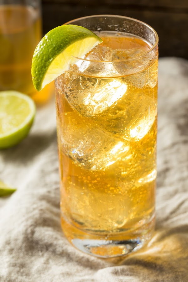 natural ginger ale with lime