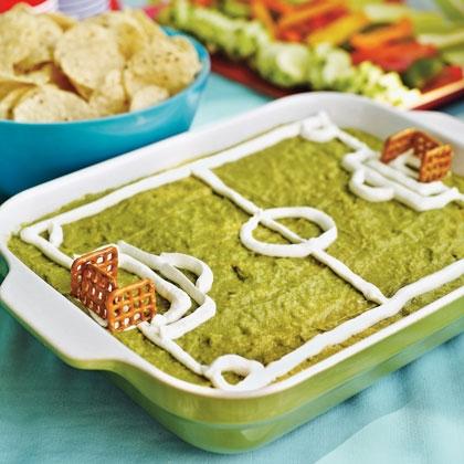 Super fun soccer field guacamole dip - Cuisine soort ...