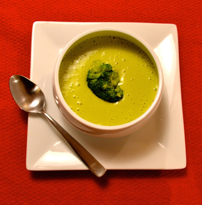 Creamy Broccoli Avocado Soup