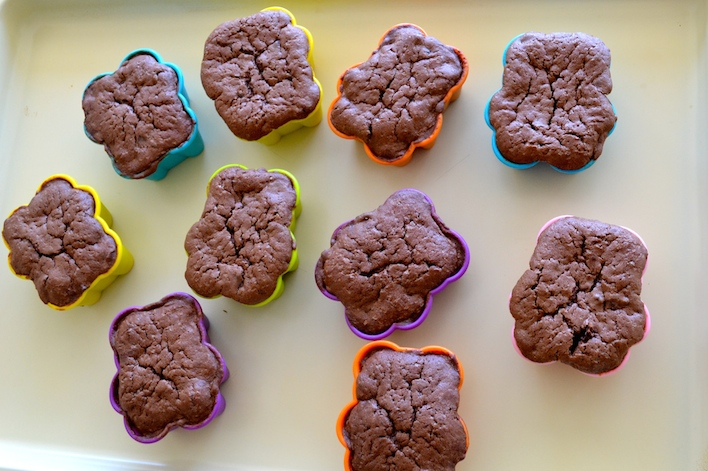 whole-wheat-double-chocolate-muffins