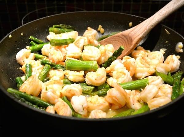sautéed-shrimp-with-asparagus-2