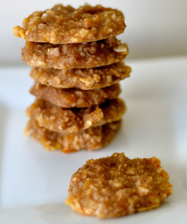 the-healthiest-and-easiest-2-ingredient-cookies-you-will-ever-make