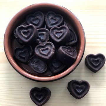 4-ingredient-dark-chocolate-raspberry-hearts
