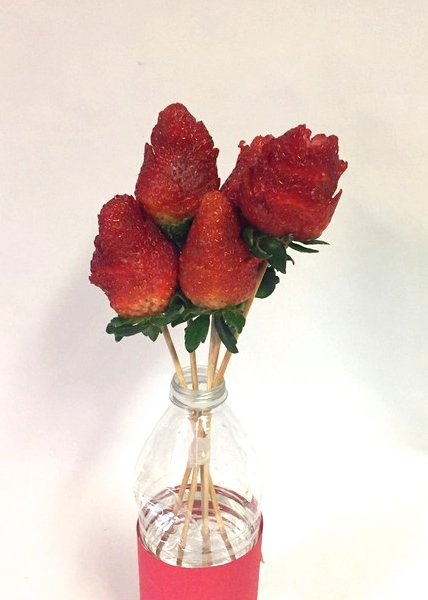 strawberry roses bouquet