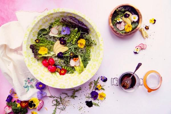 Edible Flowers Salad Recipe
