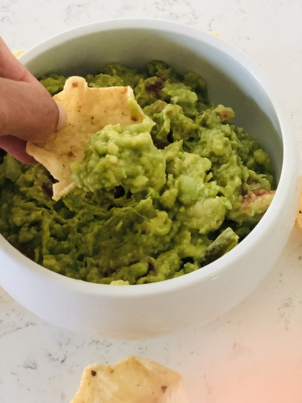 Once you read how to make the best guacamole, you'll never want to buy prepackaged & processed guac from the grocery store again! Check it out!
