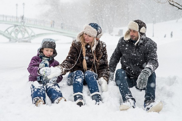 Snow is the ultimate free toy for kids