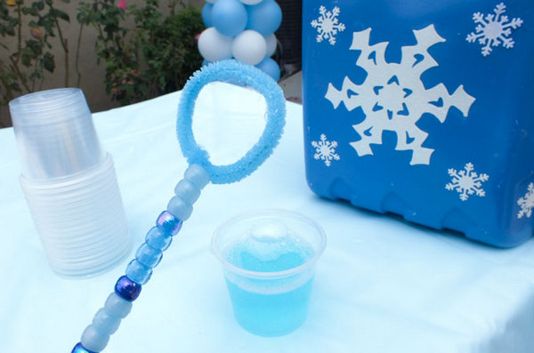 Make Your Own Frozen Bubble Wands