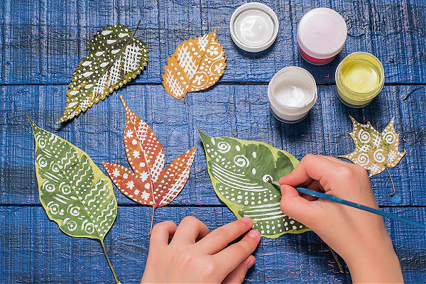 nature crafts with leaves